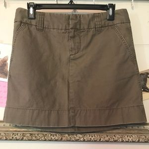 GAP Favorite Chino mini skirt size 6